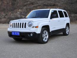 Jeep自由客长测(2) 美国范儿的驾乘表现