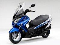 铃木氢燃料电池摩托BUGGMAN在日本路试