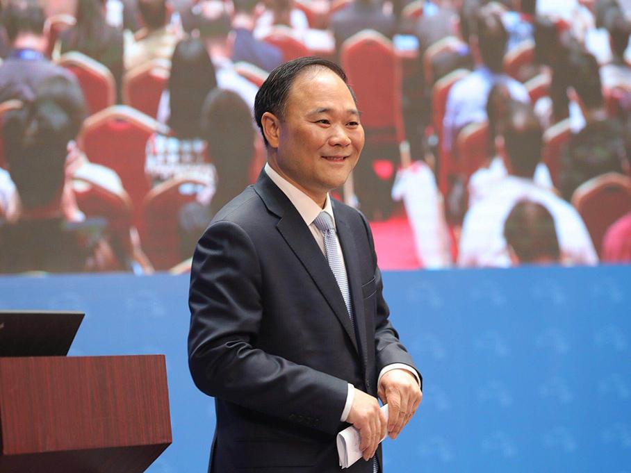 李书福:中国品牌需主动适应汽车新时代